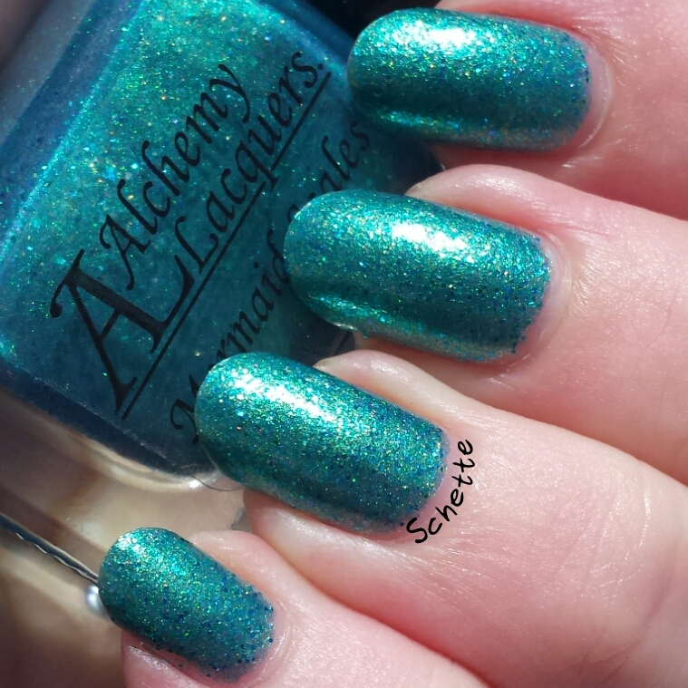 Le Vernis Alchemy Lacquer Mermaid Scales