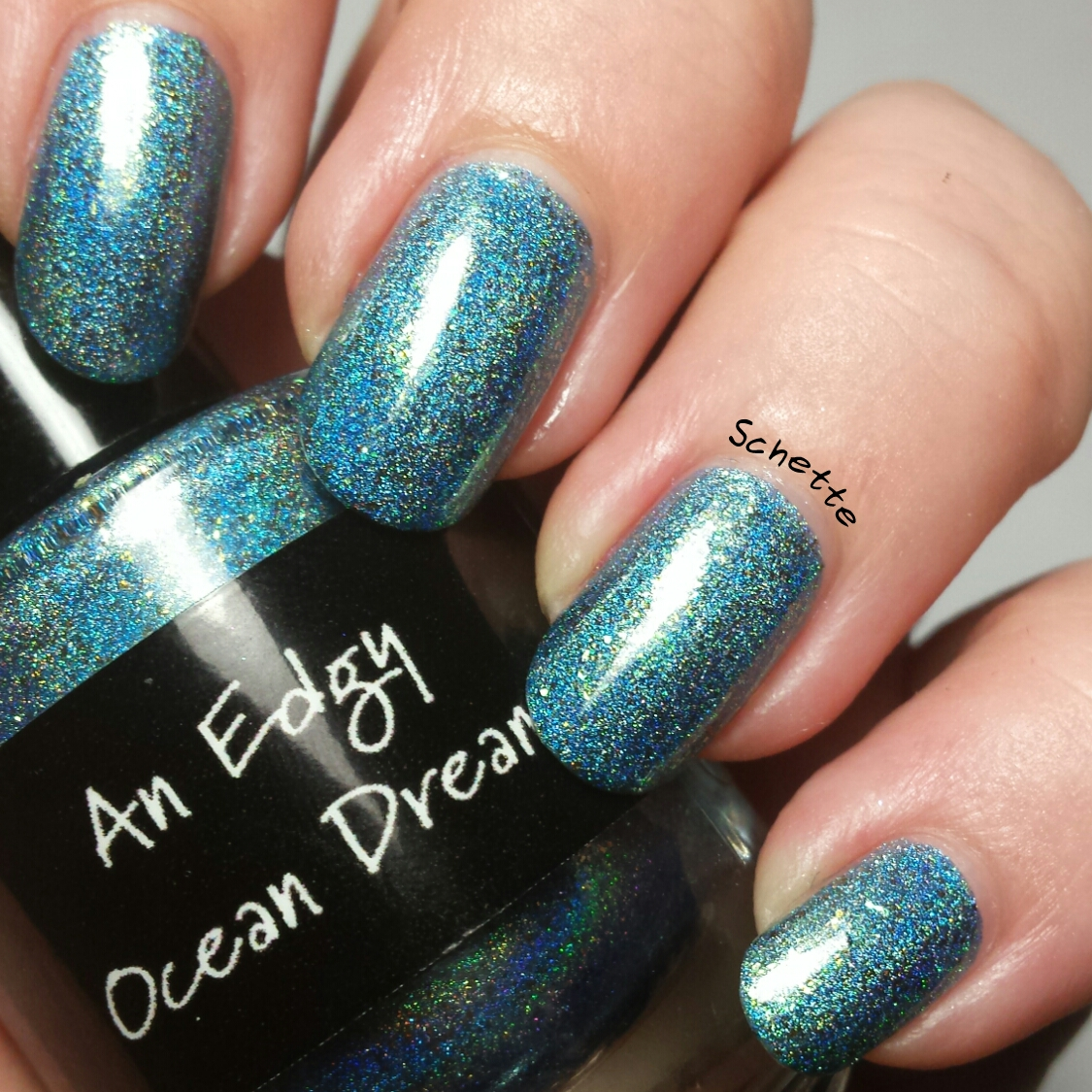 Les Vernis Exclusifs Edgy Celestial - Lost Sapphire, Crows Toes An Edgy Ocean Dream et Darling Diva Living On The Edge