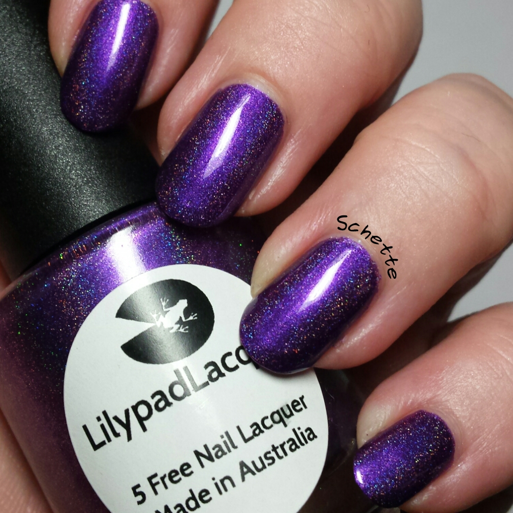Le Vernis Lilypad Lacquer Good girl gone bad