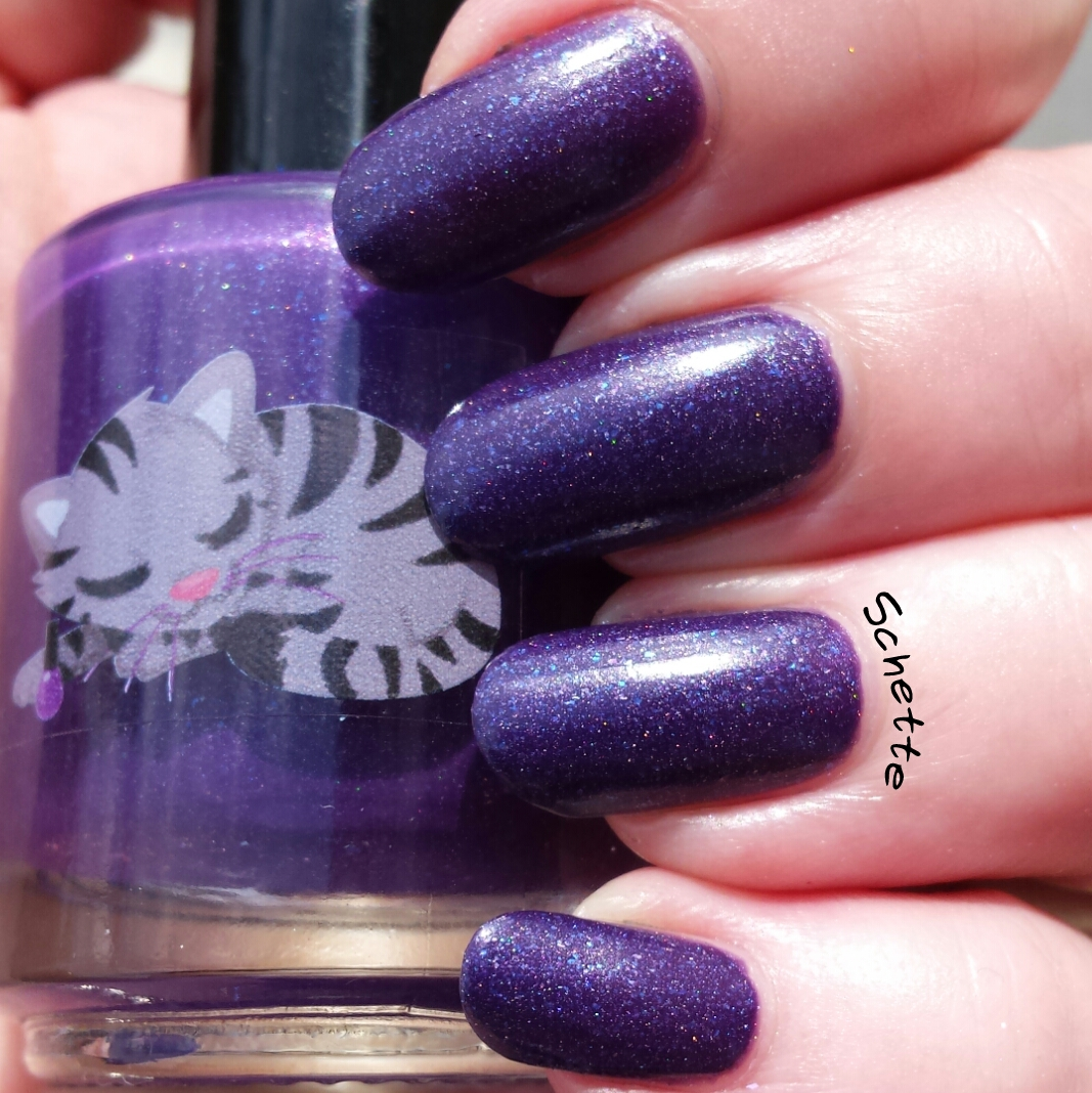 Le vernis Eat Sleep Polish Queen of the cosmos