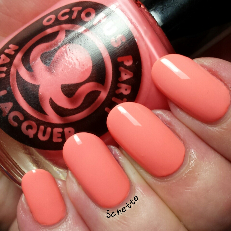 Le vernis Octopus Party Nail Lacquer On a cliff by the sea