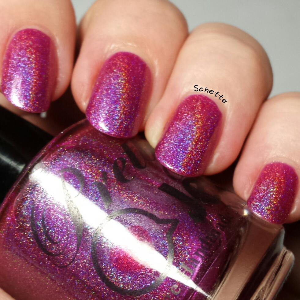 Giveaway with Pretty Jelly and Octopus Party Nail lacquer