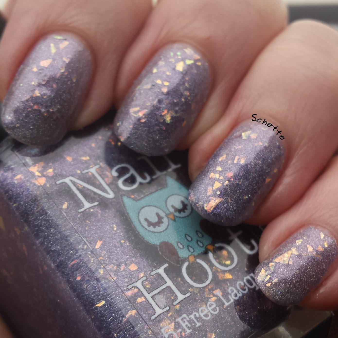 Nail Hoot : Light of the World
