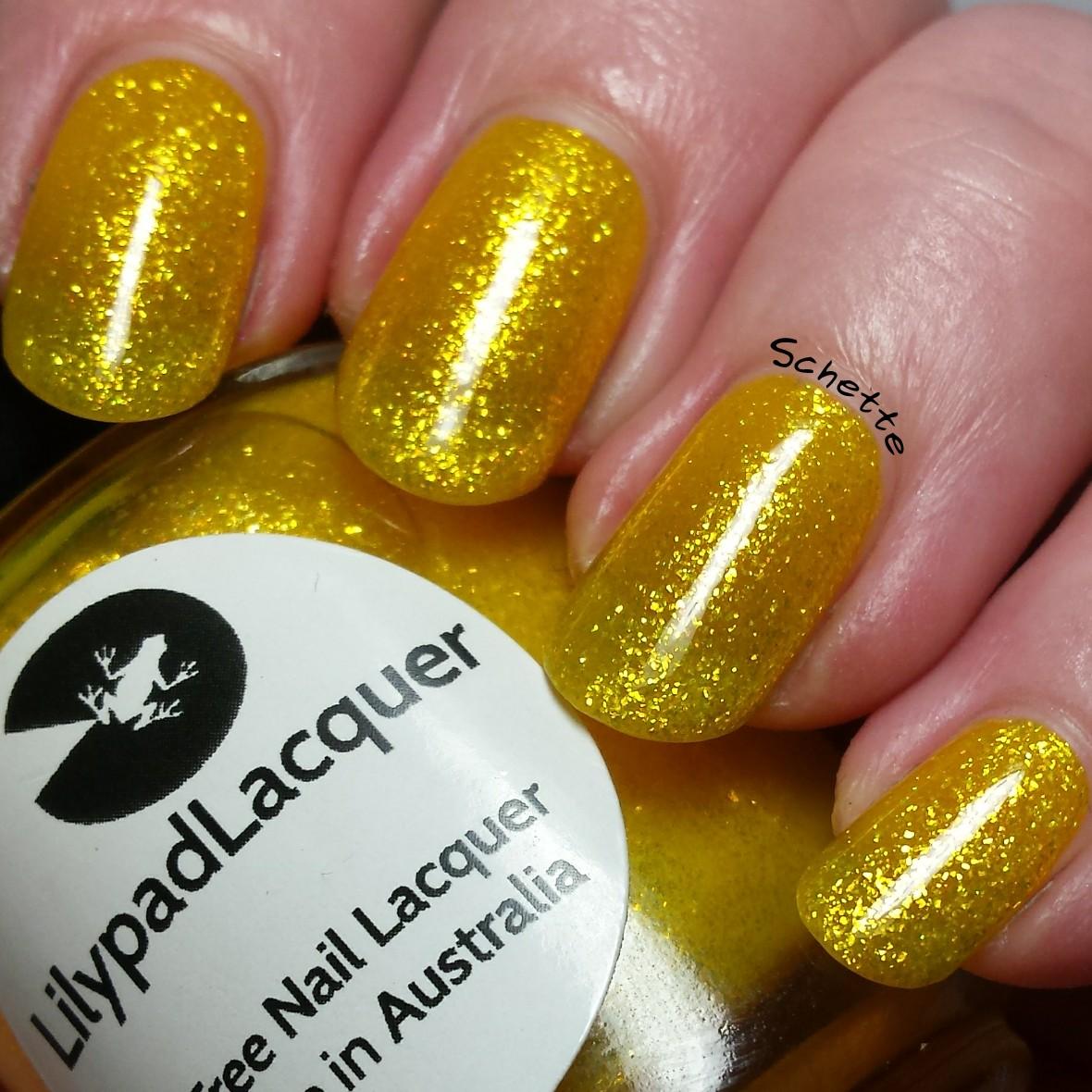 Lilypad Lacquer : Yellow diamonds