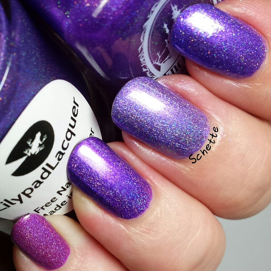 Comparison of Purple Lilypad Lacquer With Enchanted Polish Awesomess