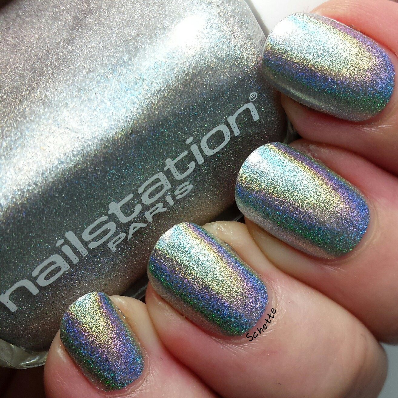 Nailstation : Illusion + Comparison to Chanel Holographic