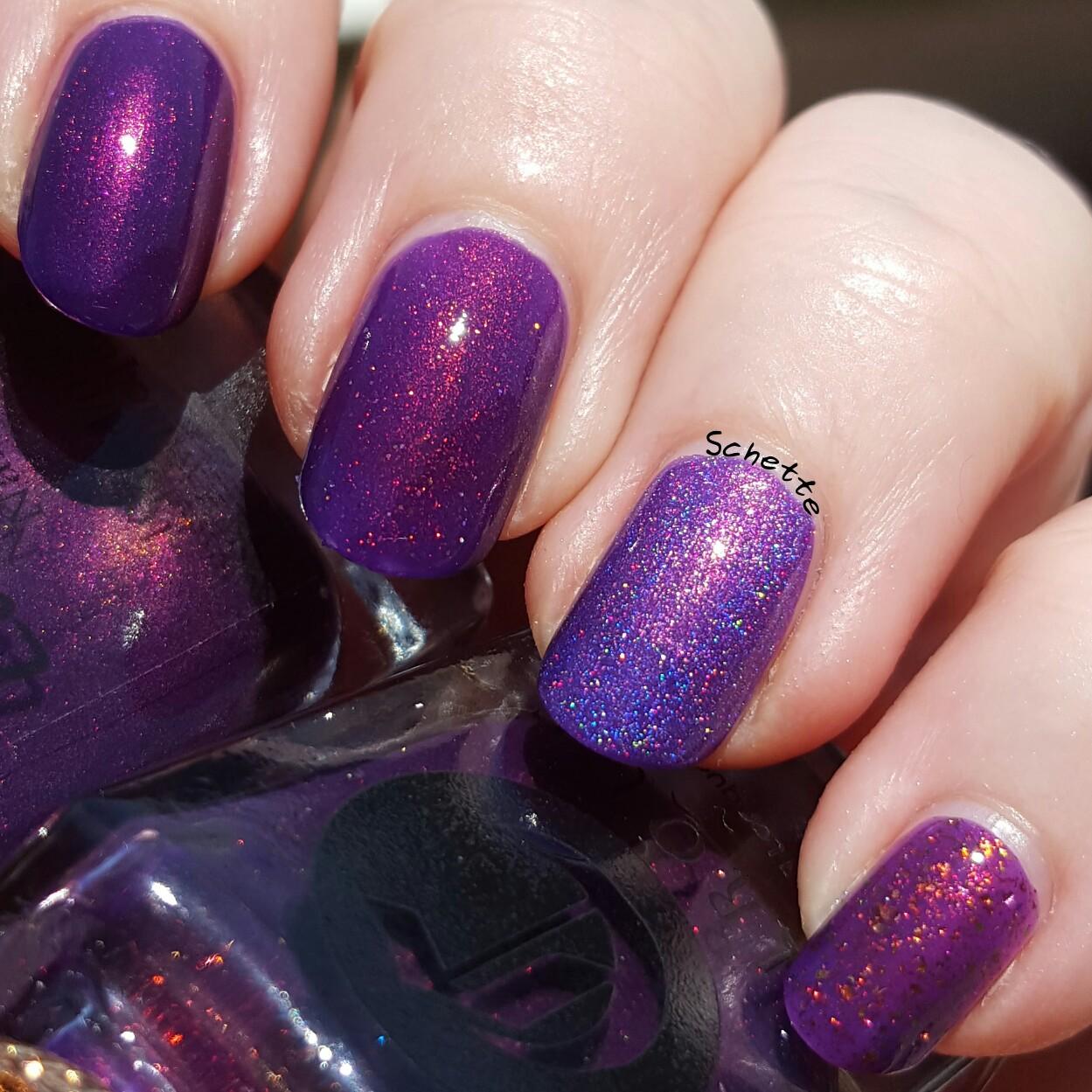 Cirque Coronation comparison with purple Lacquester