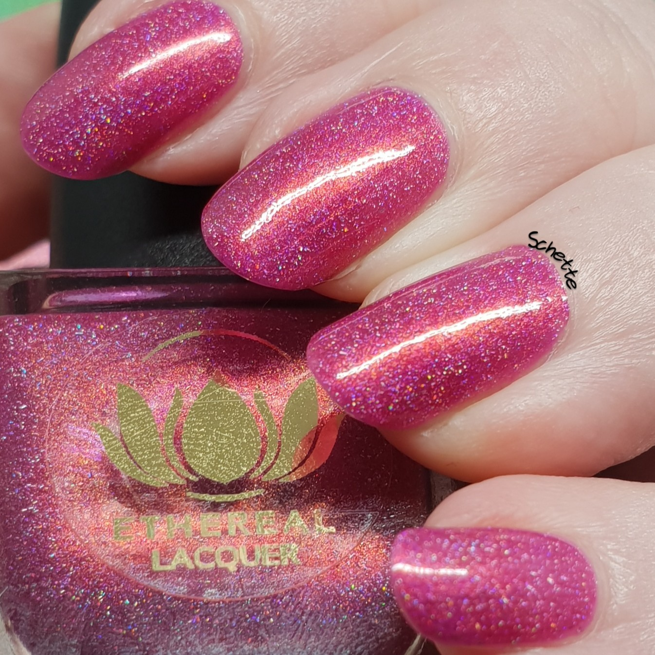 Ethereal Lacquer - Poinsettia