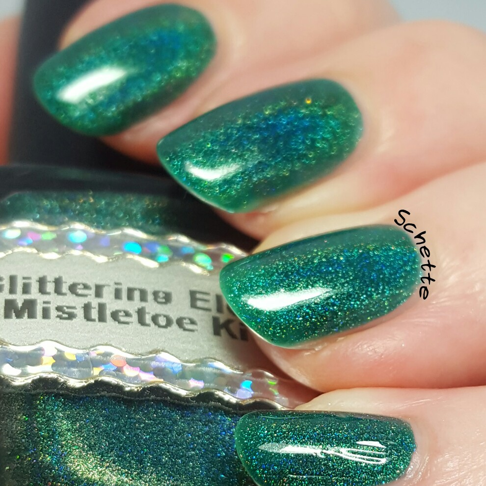 Glittering Elements - Mistletoe Kisses