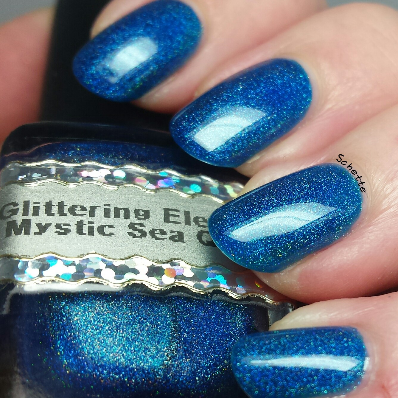 Glittering Elements - Mystic Sea Queen